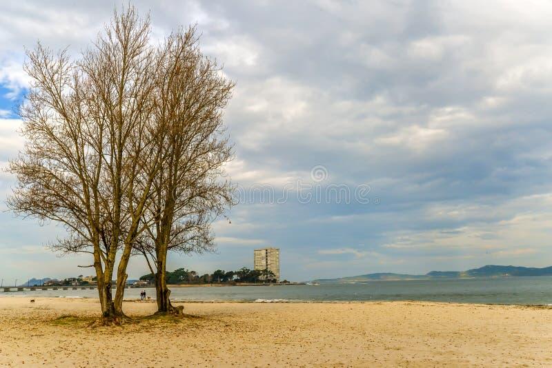 Herbst am Strand - Vigo stockfoto