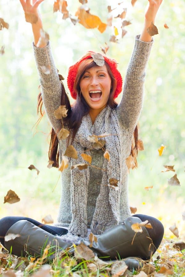 Herbst Throwfrau lizenzfreie stockfotografie