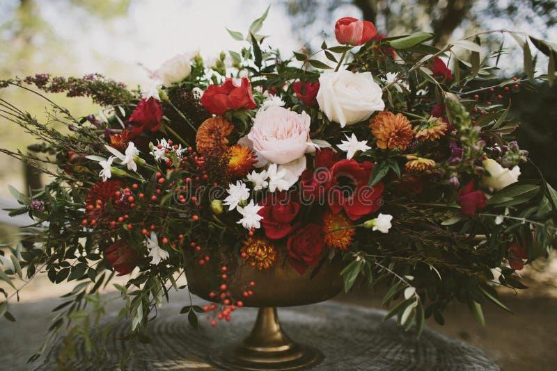 Herbstblumengesteck lizenzfreie stockfotos
