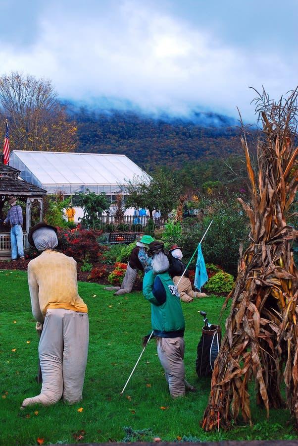 Herbstdekorationen, die eine Golfszene zeigen lizenzfreie stockfotografie
