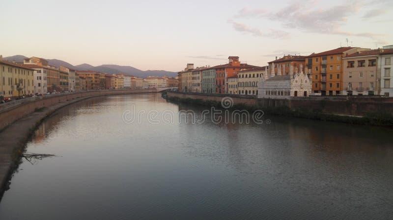Herbstfarben in Pisa lizenzfreie stockbilder