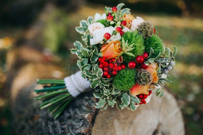 Herbsthochzeitsblumenstrauß lizenzfreie stockbilder
