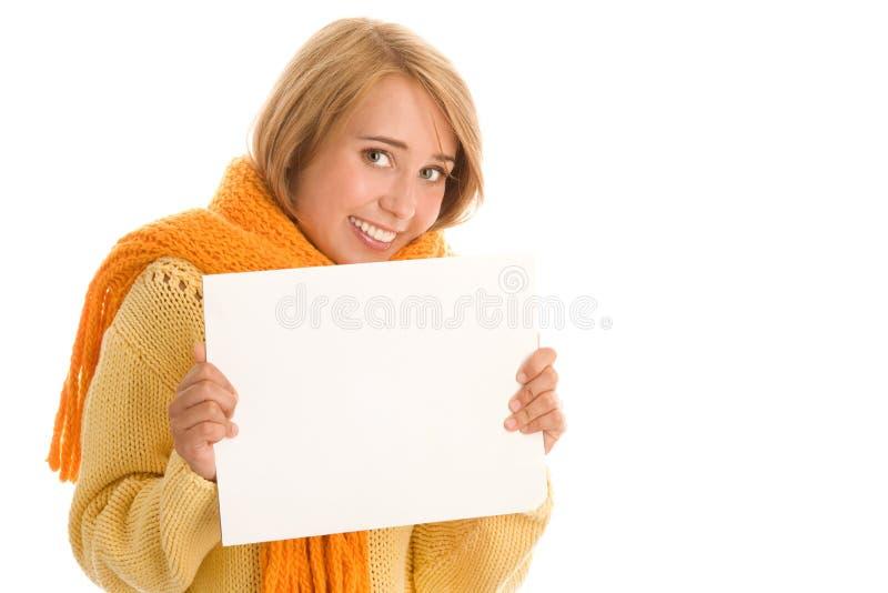 Herbstliche Frau mit Fahne stockbild