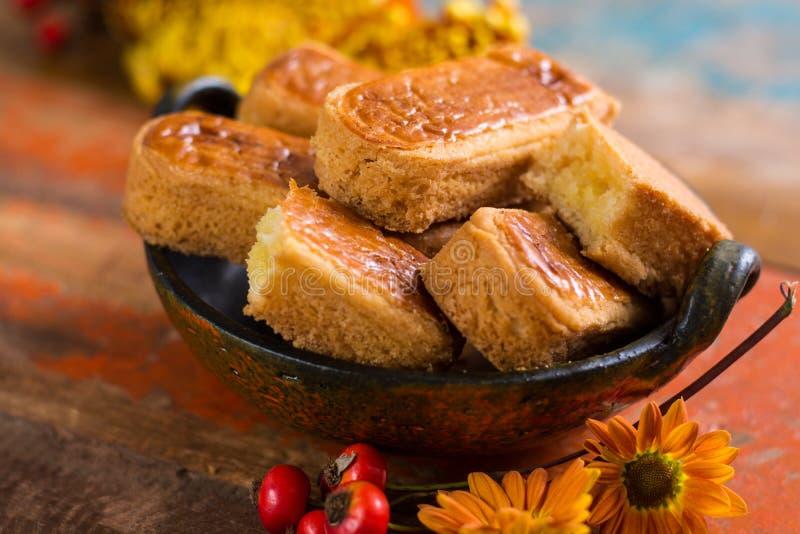 Herbstnachtisch, angefüllte Plätzchen auf dem Holztisch, Thanksgivin lizenzfreie stockfotos