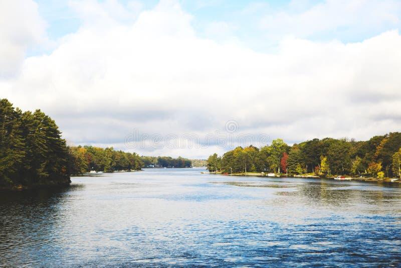 Herbstsaison in den Muskoka Seen, Ontario, Kanada stockfotografie