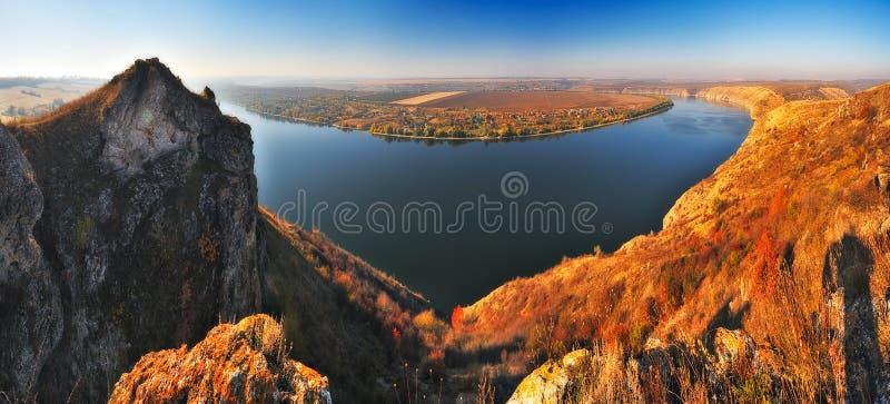 Herbstschlucht malerischer Herbstmorgen lizenzfreie stockbilder