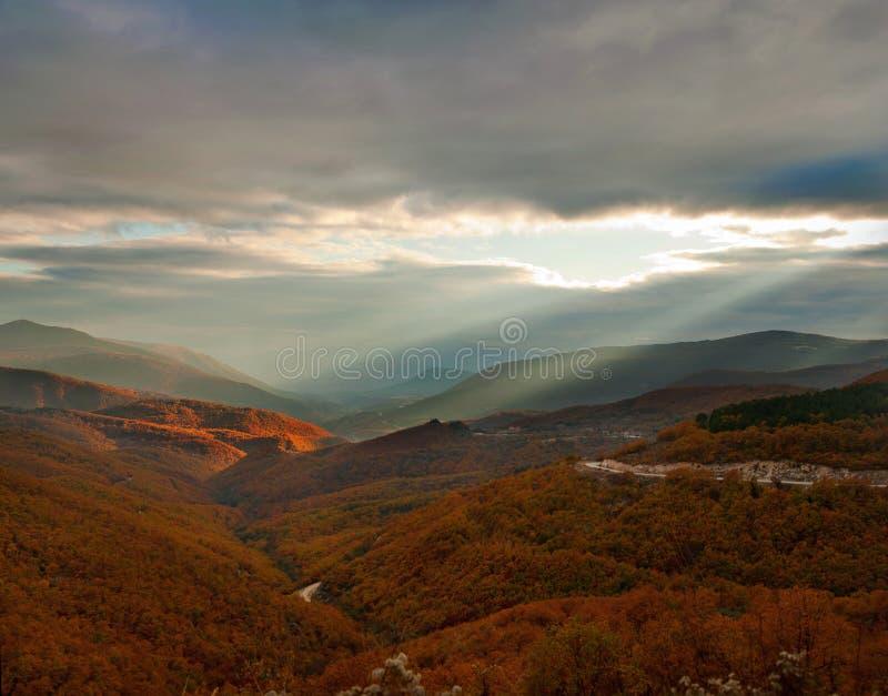 Herbstsonnenuntergang lizenzfreie stockfotos