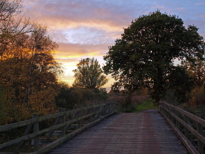 Herbstsonnenuntergang auf dem großen Fenn-Projekt stockfotografie