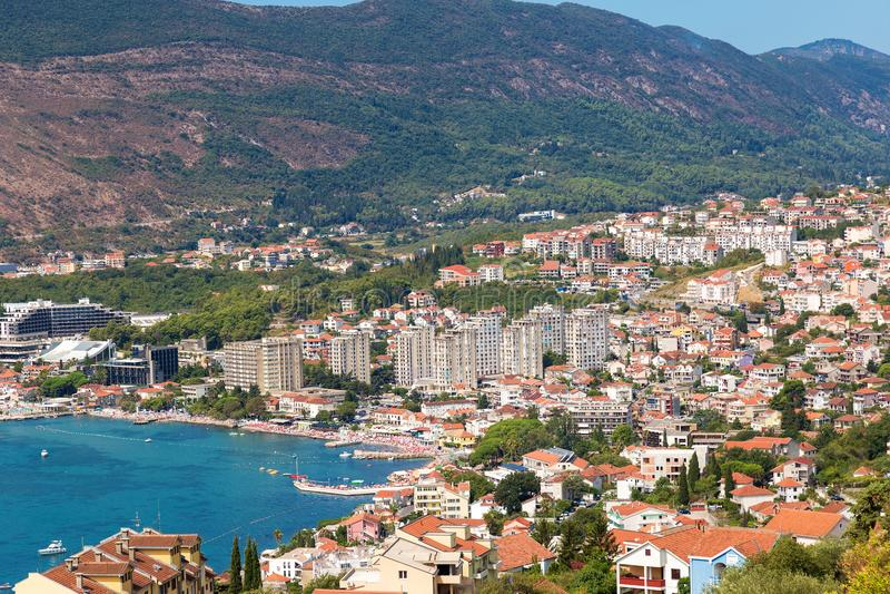 Herceg Novi, Montenegro Tiro panorâmico Vista superior bonita em t imagens de stock royalty free