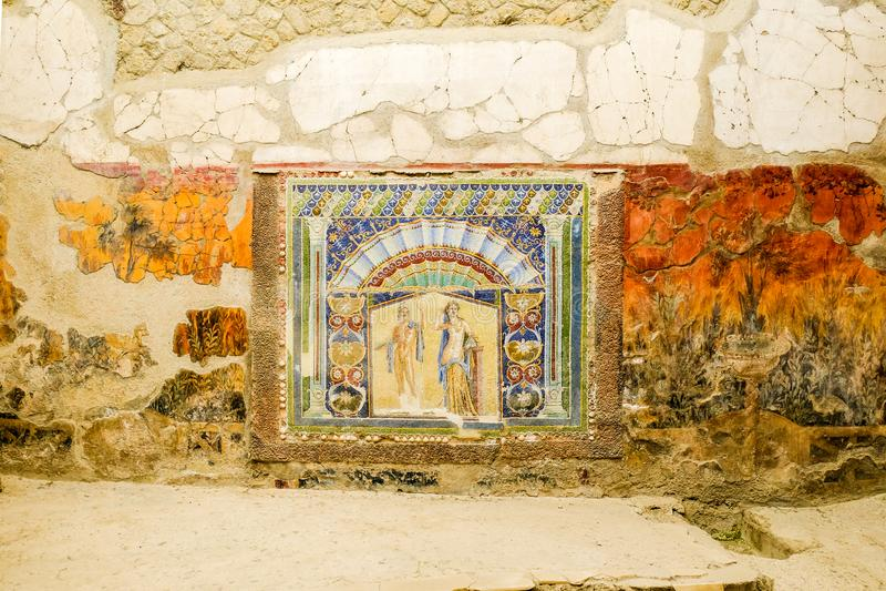 Herculaneum, αρχαία ρωμαϊκή πόλη Τοίχος με το αρχαίο ρωμαϊκό μωσαϊκό με Ποσειδώνα και Amphitrite Περιοχή Archeological, Ercolano, στοκ φωτογραφία με δικαίωμα ελεύθερης χρήσης