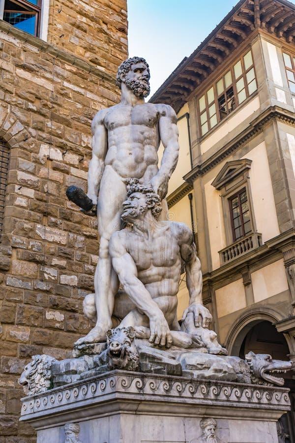 Hercules Cacus Statue Piazza Signoria Palazzo Vecchio Florence Italy stock foto's