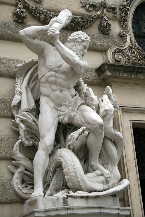 Hercules die Hydra bestrijden bij Hofburg-paleis, Wenen, Oostenrijk stock afbeelding