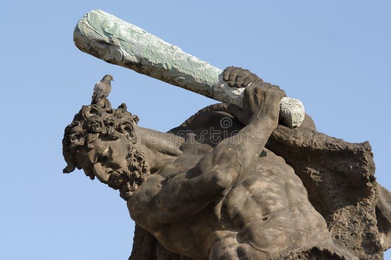 Hercules met vogel op het hoofd royalty-vrije stock foto's