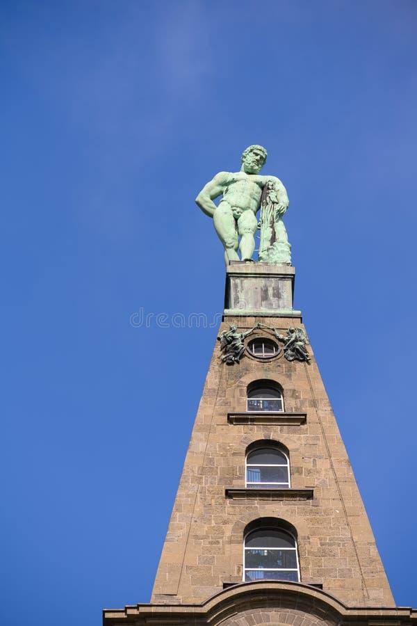 Hercules-monument, Wilhelmshoehe Mountainpark, Bergpark, Kasteelpark, Duitsland royalty-vrije stock foto