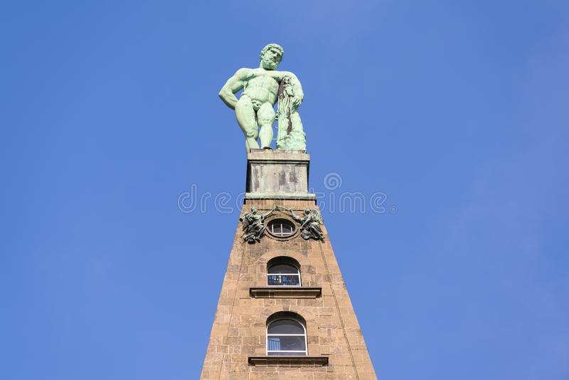 Hercules-monument, Wilhelmshoehe Mountainpark, Bergpark, Kasteelpark, Duitsland stock fotografie