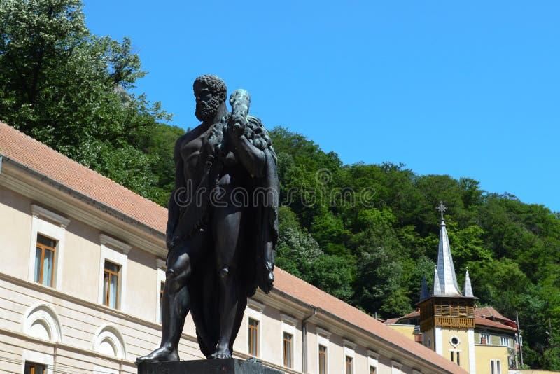 Hercules-standbeeld in Băile Herculane, Roemenië stock foto