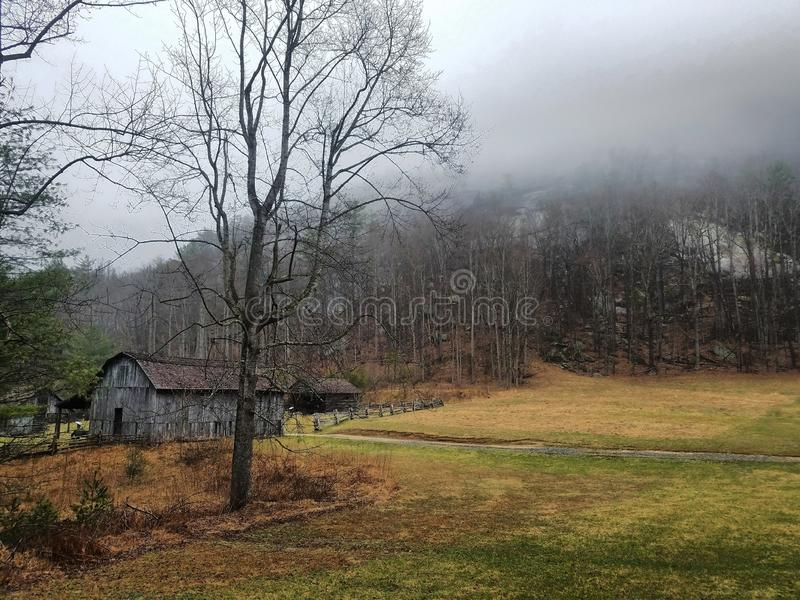 Herdade de Hutchinson na montanha de pedra, North Carolina foto de stock royalty free