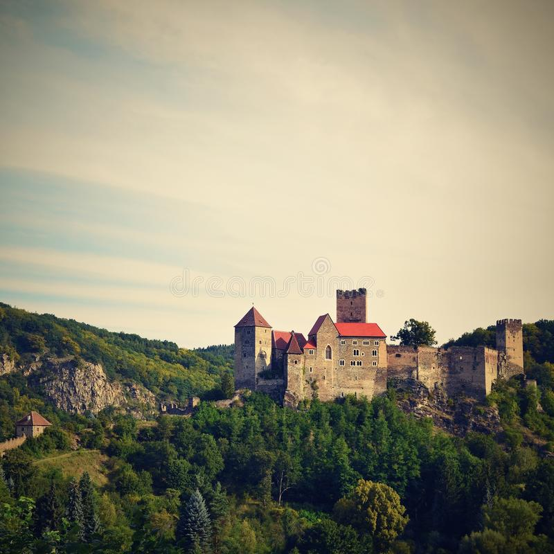 Download Herdegg Beau Vieux Château Dans La Campagne Gentille De L'Autriche Vallée De Thaya De Parc National, Basse Autriche - Europe Image stock - Image du landmark, cadre: 76090601