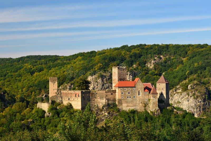 Download Herdegg Beau Vieux Château Dans La Campagne Gentille De L'Autriche Vallée De Thaya De Parc National, Basse Autriche - Europe Image stock - Image du inférieur, stationnement: 76090693