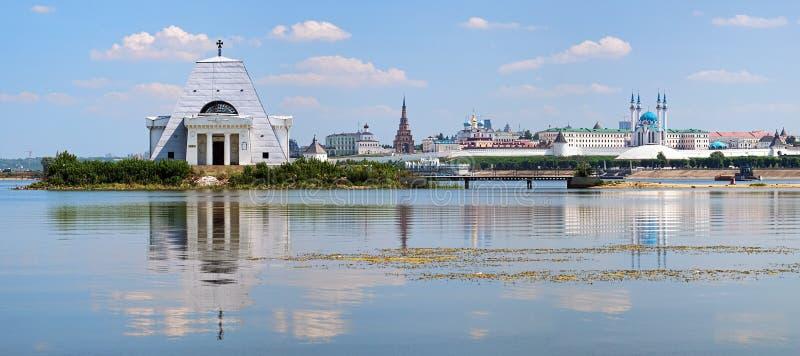 Herdenkings Kerk en Kazan het Kremlin, Rusland royalty-vrije stock afbeeldingen