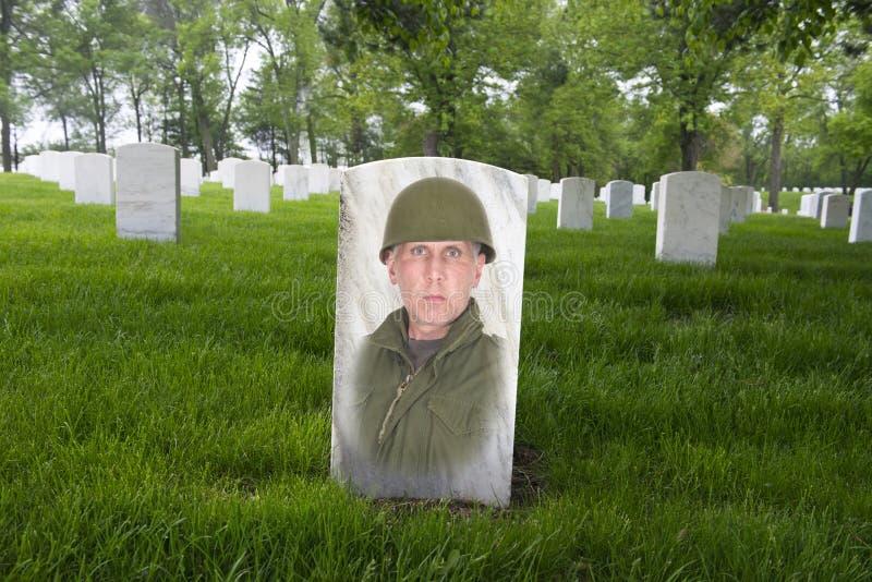 Herdenkingsdag, de Begraafplaats van de Oorlogsveteraan, Leger Solider stock foto's