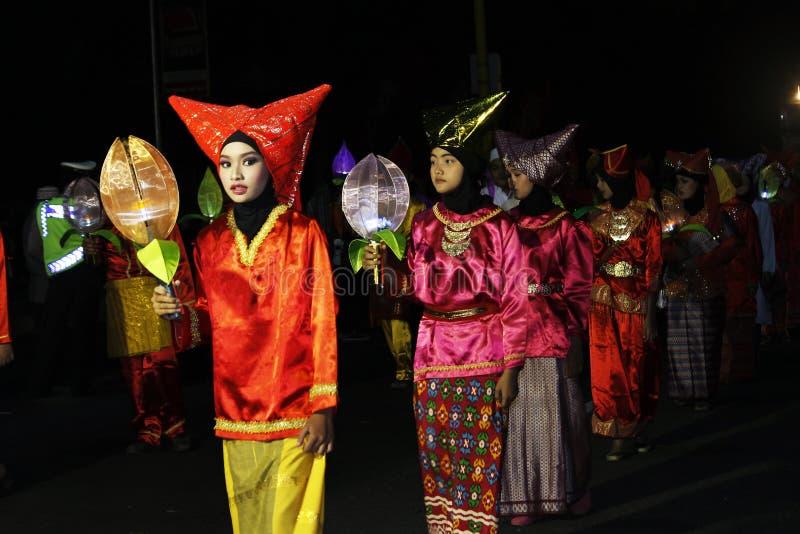 Herdenkingsparade Eid 1 Syawal 1435 de stad van H Nganjuk, Oost-Java, Ind. royalty-vrije stock foto's