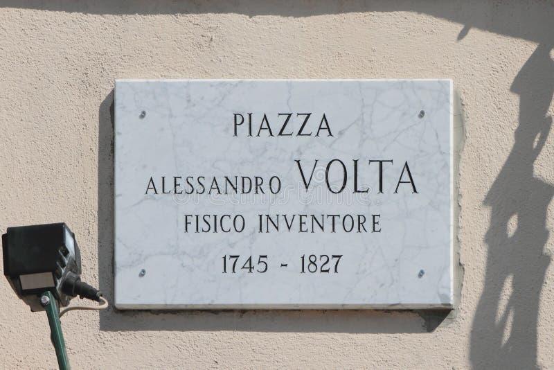 Herdenkingsplaat met naam van fysicus-uitvinder Alessandro Volta Como, Italië royalty-vrije stock afbeelding