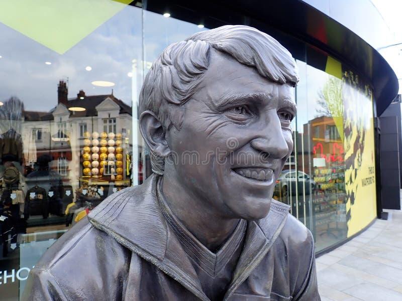 Herdenkingsstandbeeld van Graham Taylor OBE, vroegere manager van Watford-Voetbalclub, het Stadion van de Pastorieweg, Watford royalty-vrije stock foto's