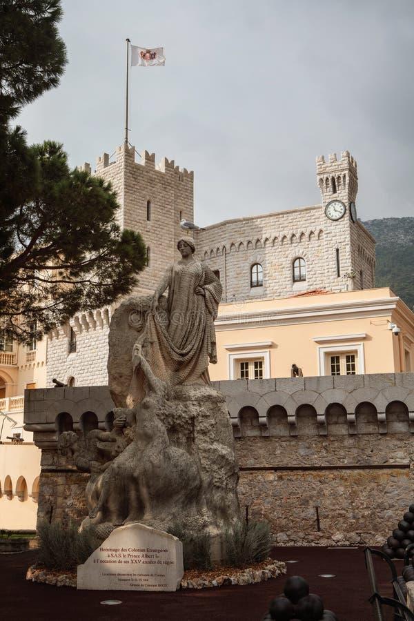 Herdenkingsstandbeeld voor St Mary ` s Toren van Prins` s Paleis i stock afbeelding