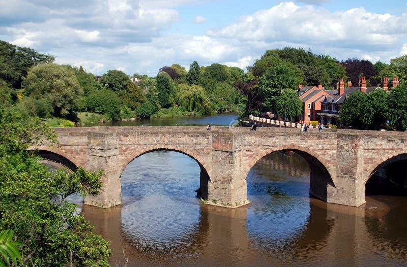 Hereford, Angleterre : Passerelle médiévale de montage en étoile de fleuve images stock