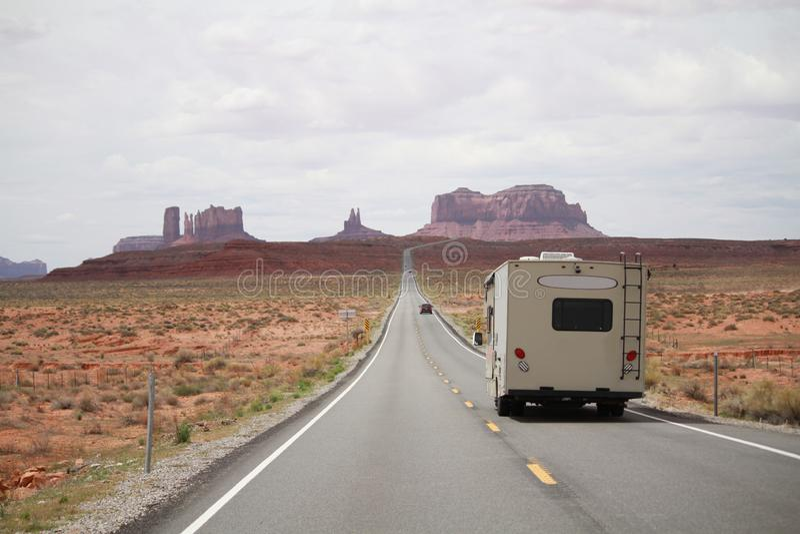 Hereinkommendes Monument-Tal Wohnmobil RV, Utah stockbilder