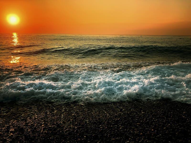 Herfst eenzaamheid aan de kust stock foto's