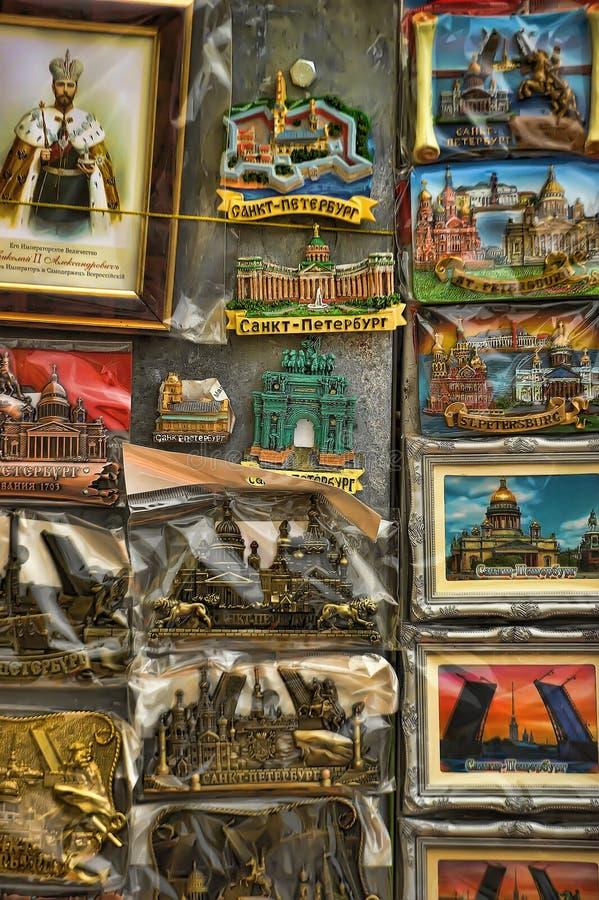 Herinneringenmagneten met meningen van St. Petersburg stock foto's