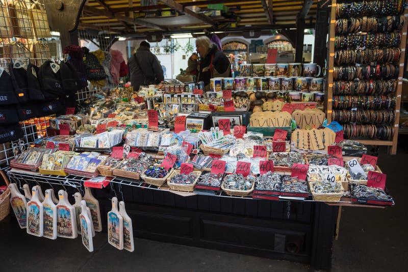 Herinneringswinkel bij beroemde Havels-Markt in eerste week van Komst in Kerstmis stock fotografie