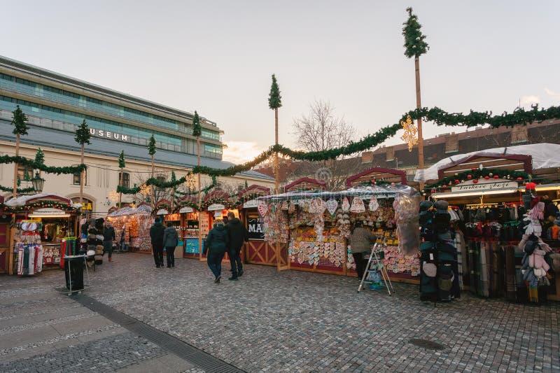 Herinneringswinkel bij Havel-Markt in tweede week van Komst in Kerstmis royalty-vrije stock afbeelding