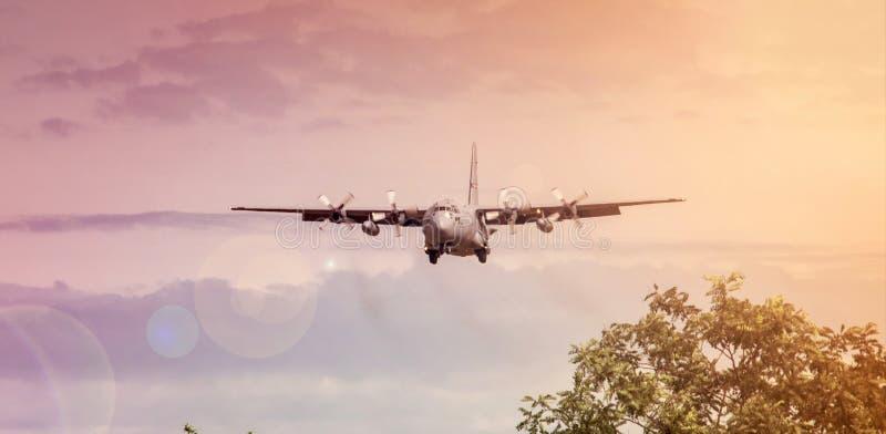 Herkules-Flugzeuge lizenzfreie stockfotos