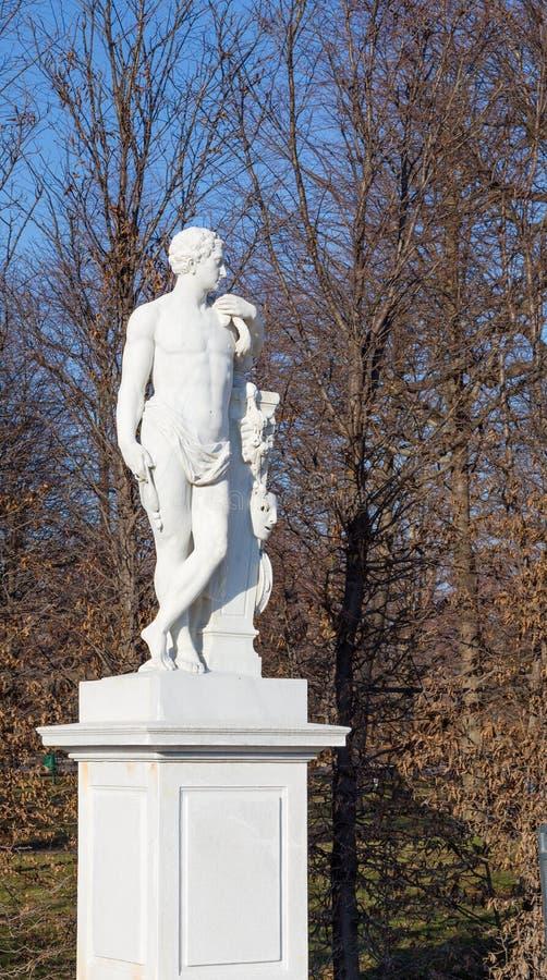 Herkules-Gartenstatue in Schonbrunn-Palast, Wien lizenzfreies stockbild
