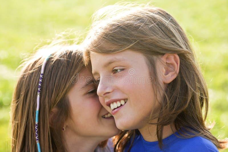 Hermano y hermana felices fotografía de archivo libre de regalías