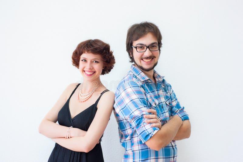 Hermano y hermana sonrientes imagen de archivo libre de regalías