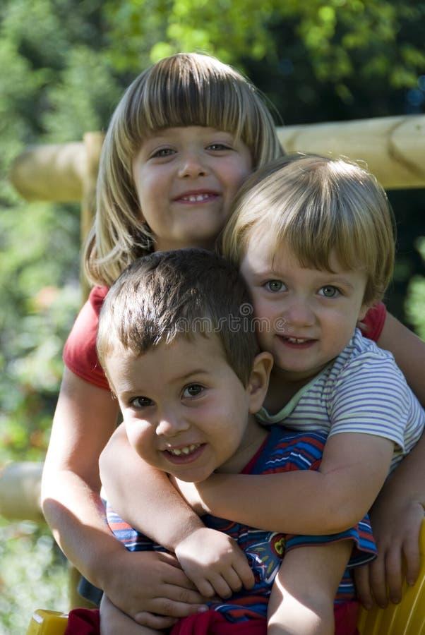 Hermano y hermanas - mejores amigos imagenes de archivo
