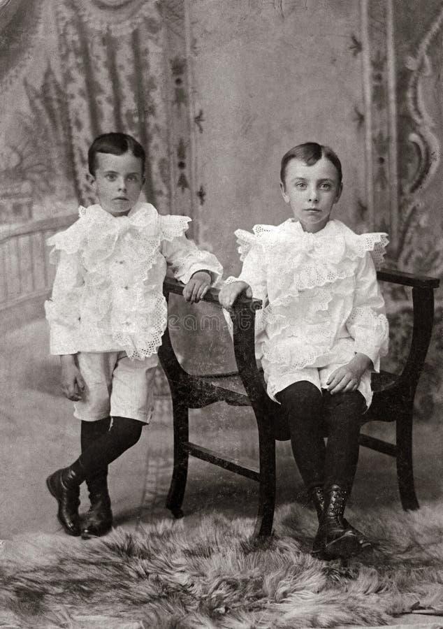 Hermanos imagenes de archivo