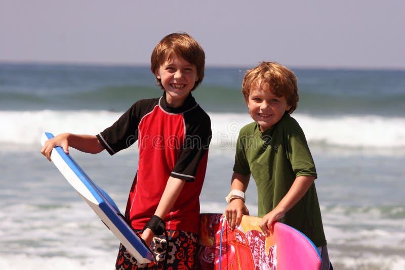 Hermanos de la playa imagenes de archivo