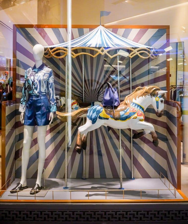 Hermes font des emplettes chez Siam Paragon, Bangkok, Thaïlande, le 9 mai 2018 images stock