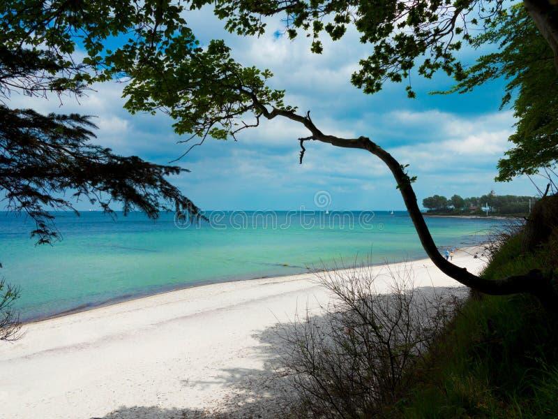 Hermosa playa y mar Báltico cerca de Strande en Schleswig-Holstein imágenes de archivo libres de regalías