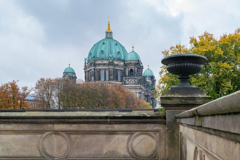 Hermosa vista de Berlin Cathedral Berliner Dom del museo famoso de Altes fotografía de archivo libre de regalías