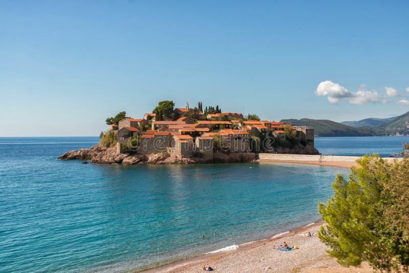 Hermosa vista de la isla de Sveti Stefan Budva, Montenegro imágenes de archivo libres de regalías