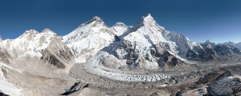 Hermosa vista del monte Everest, de Lhotse y de Nuptse fotografía de archivo libre de regalías