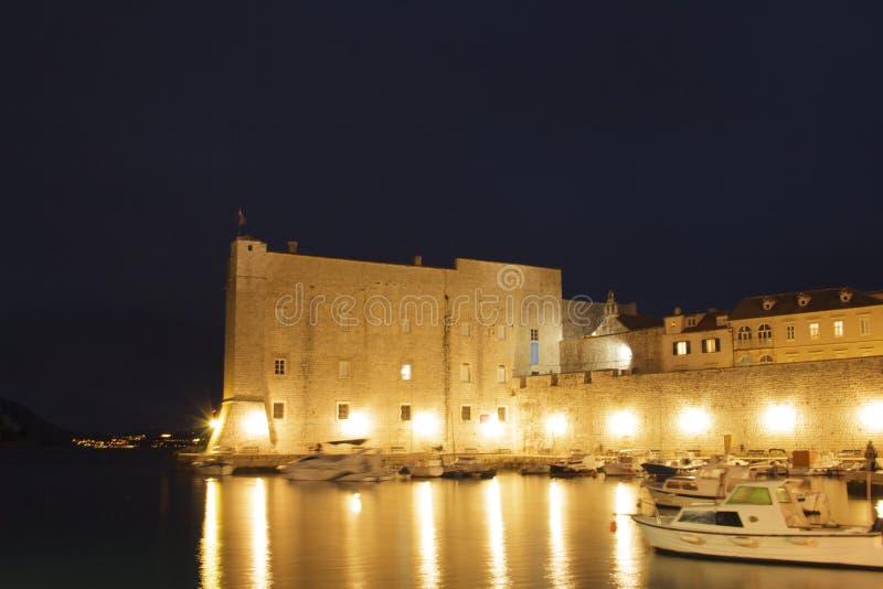 Hermosa vista del palacio del dvor del ev del ¾ de KneÅ del rector en Dubrovnik, Croacia foto de archivo