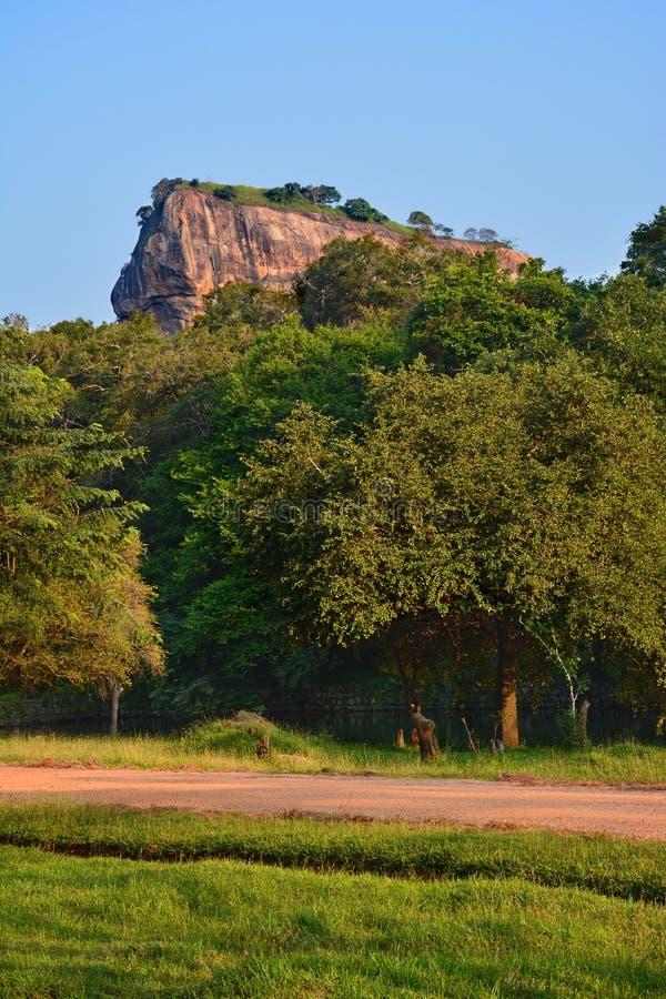 Hermosa vista del Sigiriya Lion Rock, Sri Lanka imágenes de archivo libres de regalías