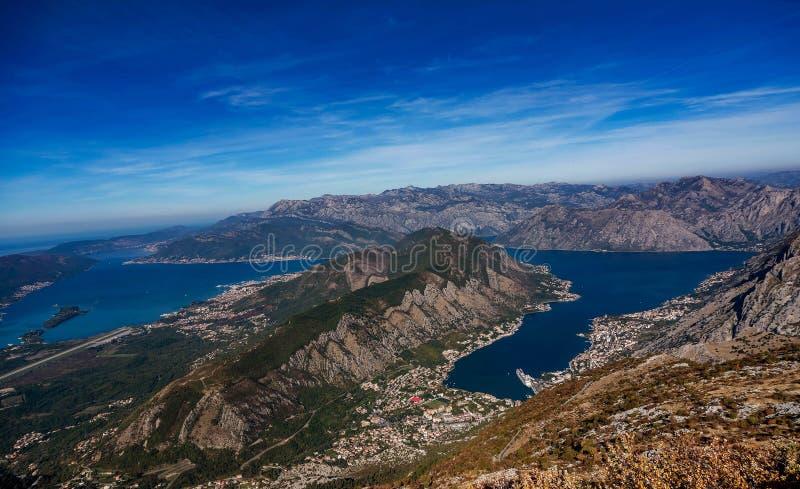 Hermosa vista del zaliv del kotorska de Boka, Montenegro imagen de archivo libre de regalías